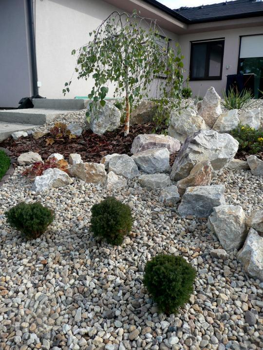 Záhrada s veľkou skalkou - Obrázok č. 34