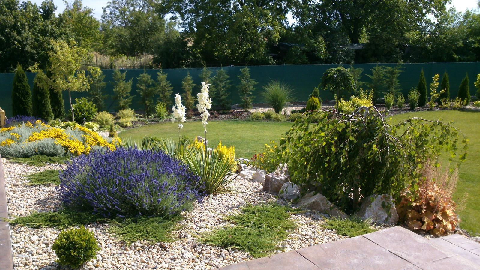 Záhrada s veľkou skalkou - Obrázok č. 46