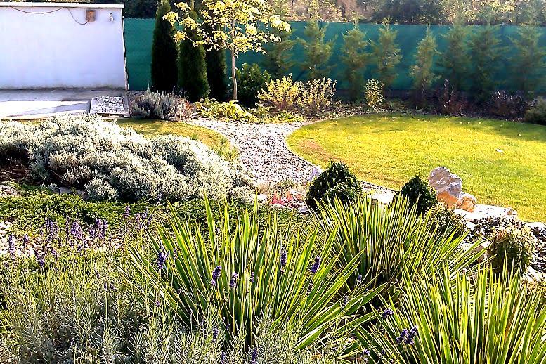 Záhrada s veľkou skalkou - Obrázok č. 52