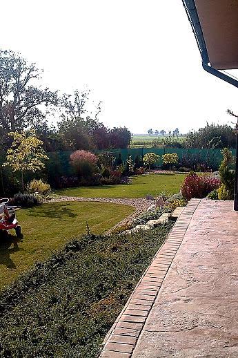 Záhrada s veľkou skalkou - Obrázok č. 53