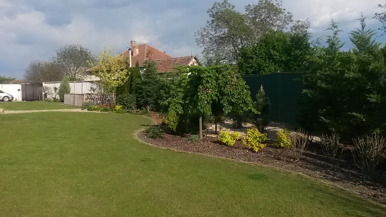 Záhrada s veľkou skalkou - Obrázok č. 58