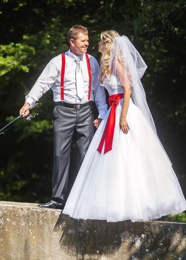 Cervena masla na svadobne saty - okolo pasa - Obrázok č. 1