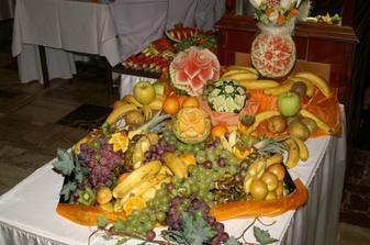 úžasný ovocný stôl