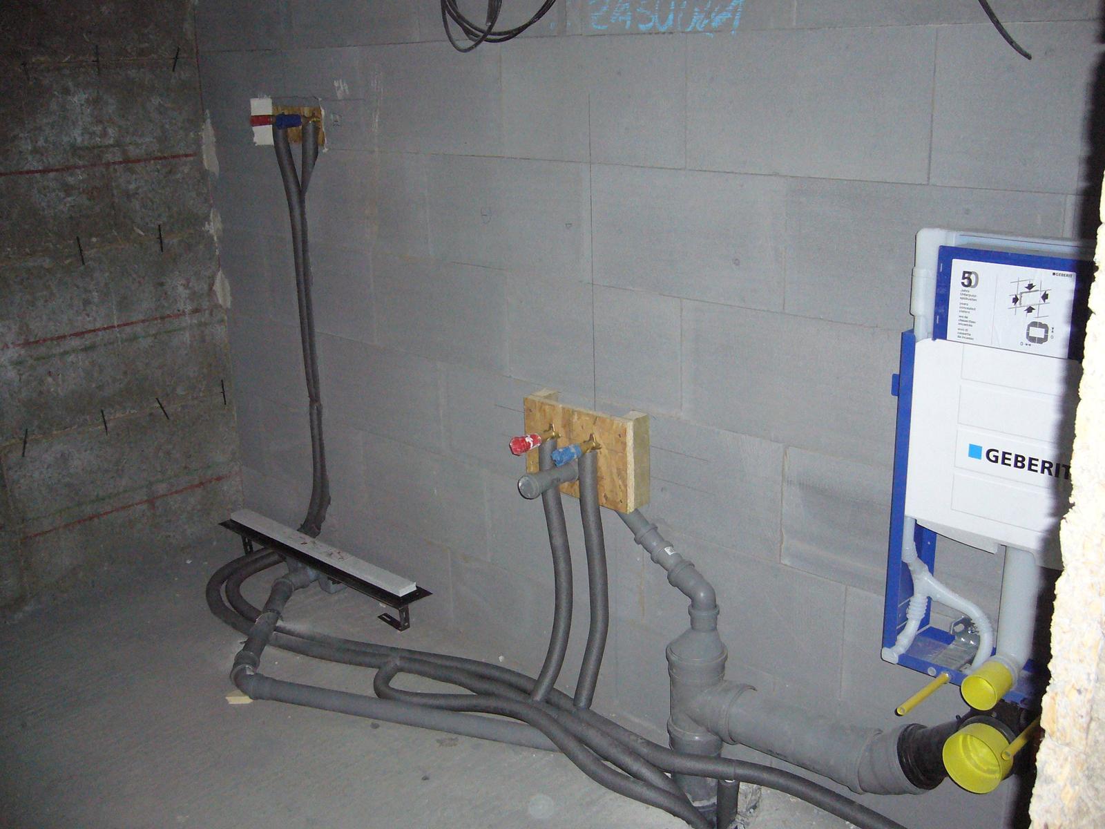Novostavba RD BA - Ružinov - kúpeľňa 2 (sprcha + umývadlo + WC)