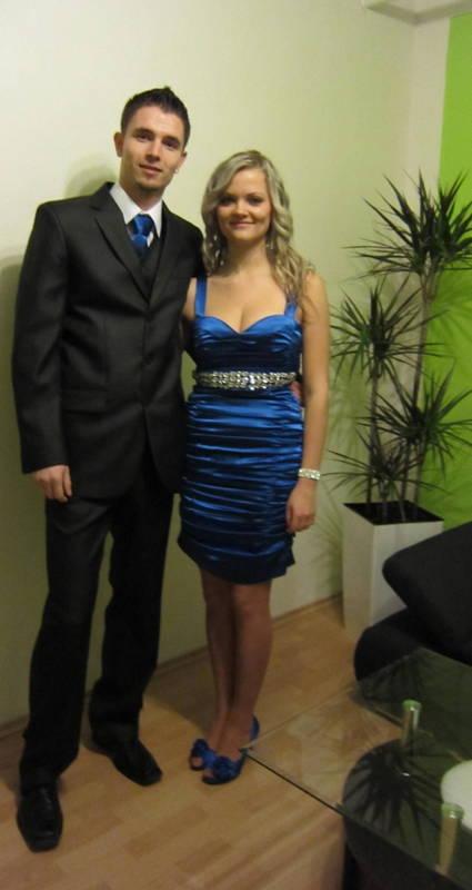Modré šaty šité na mieru - Obrázok č. 1