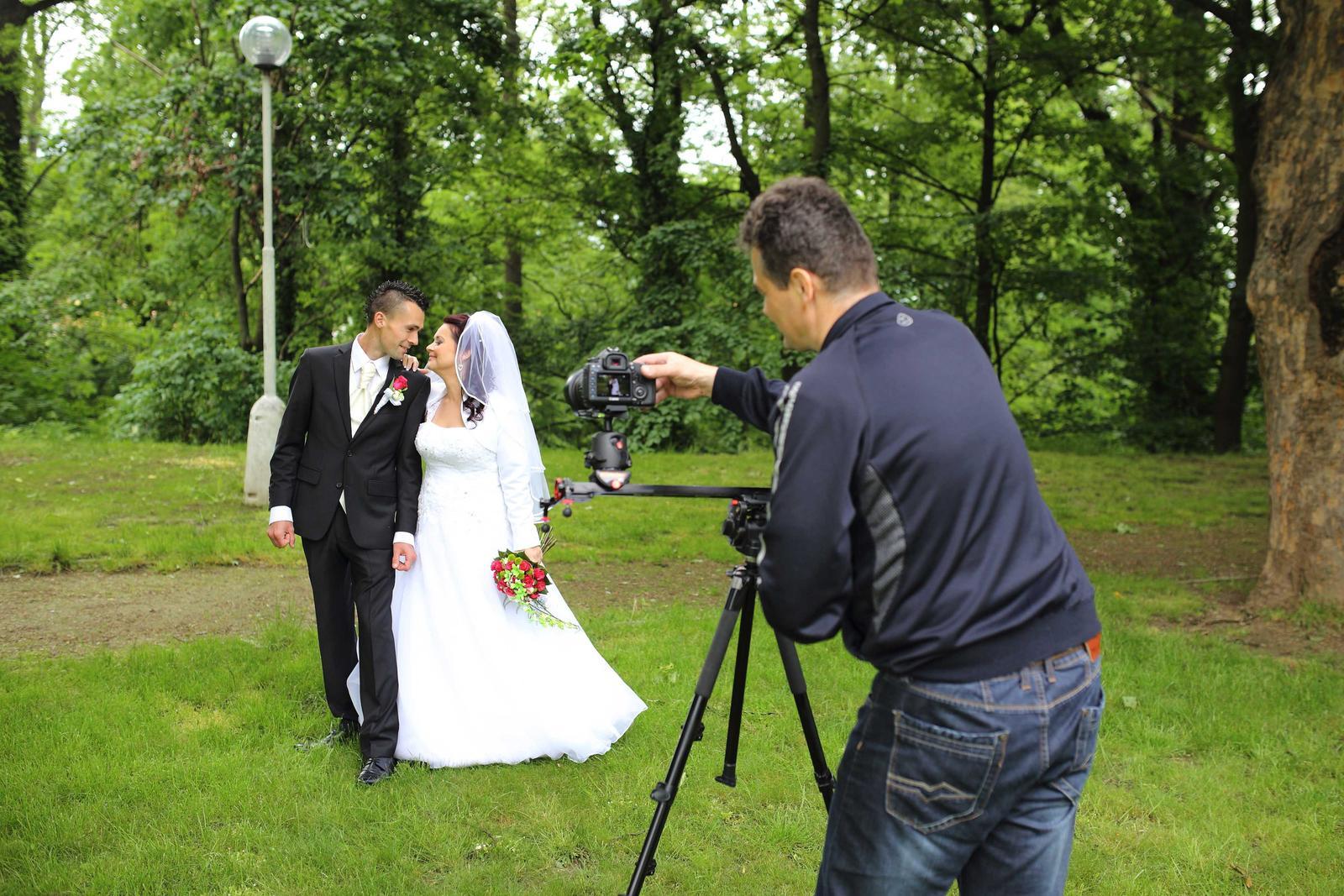 videostudiojarka - Profesionálna technika - Canon 5dm3 + slider Konova + statív Manfrotto
