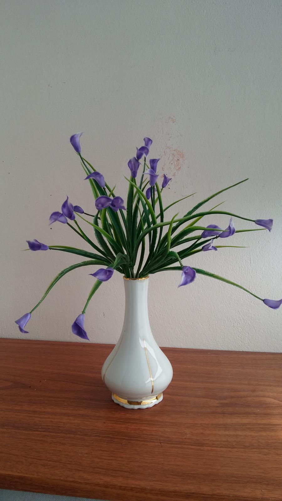 Fialove kvety - Obrázok č. 1