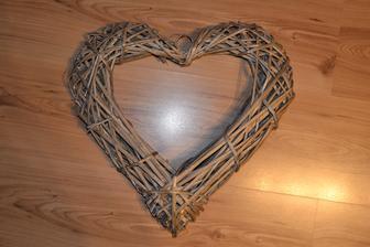 Srdiečko pre zmenu kúpené, nie vyrábané, ale samozrejme dozdobíme :)
