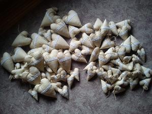 srdiečka pripravené :) a najmenšie s levanduľou ako darčeky :)
