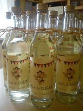fľašky na výslužky a na hostinu nachystané :)