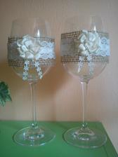 naše svadobné poháre, ozdobila šikovná kamarátka :)