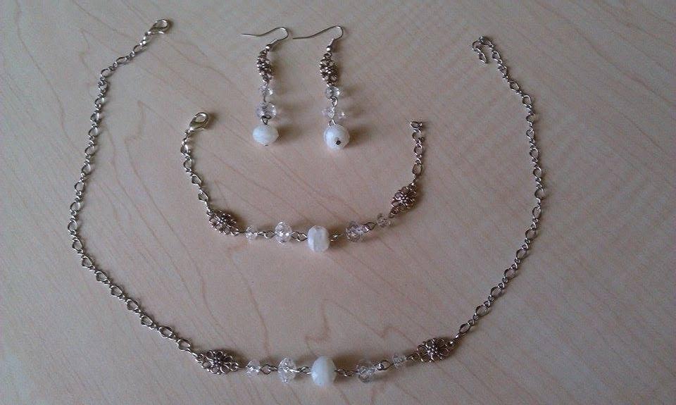 The First Day of Forever ♥ - od šikovnej maminky :) ešte neviem, či aj náhrdelník použijem, ale pre istotu pripravený :)