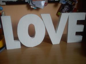 písmenká prefarbené z modrej na biele a pripravené na použitie ;) ďakujem dubienok za podarovanie :)