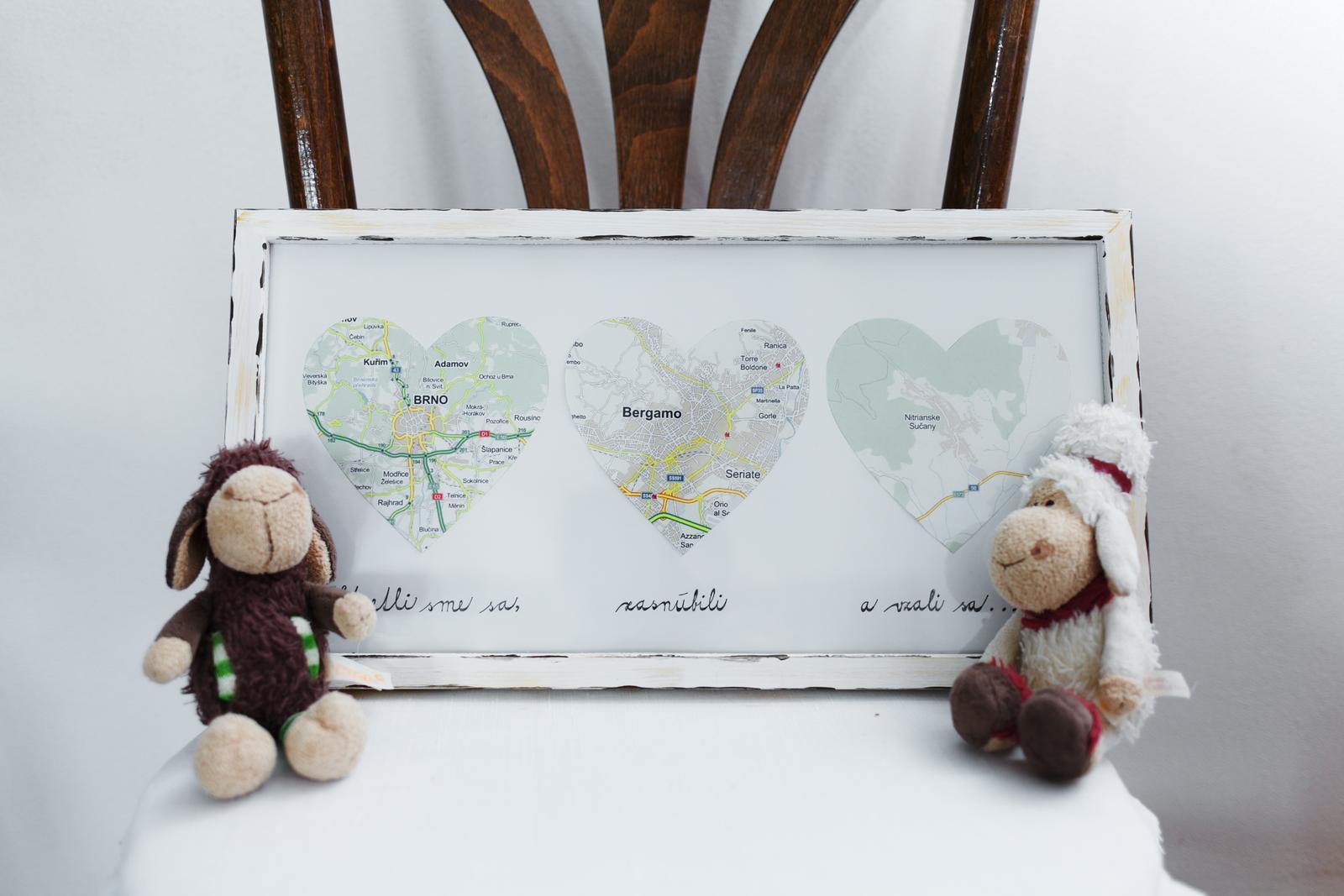 Zdobené s láskou :) naša svadobná výzdoba - mapový obraz nášho príbehu :)