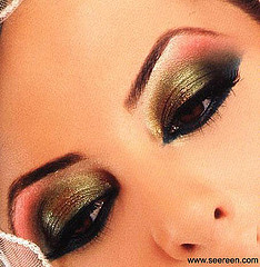 Miriam a július - krásny make up