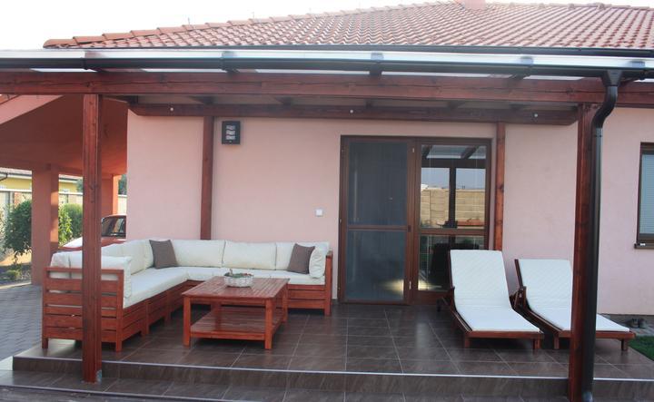 Moje stromčeky, terasa :) - náš nový nábytok:)