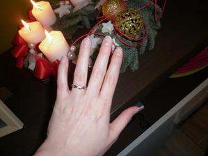 môj krásny prstienok :) len to nie je dobre vidno na tej fotke...