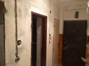 Chodba - pohľad na vchodové dvere