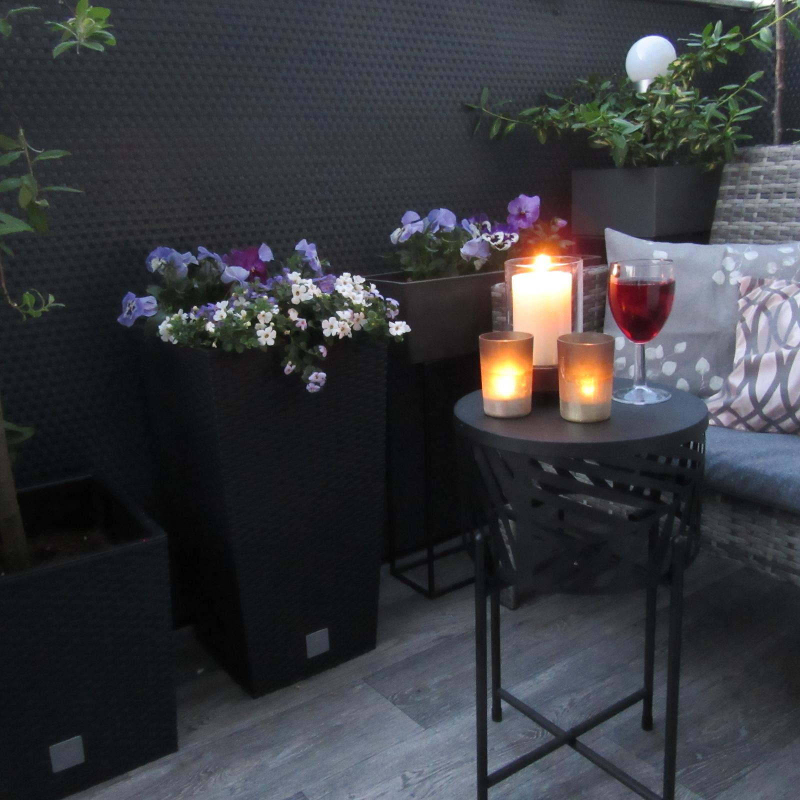 Nové Doma- první rok 2020 - včerejší večerní relax na terase:)