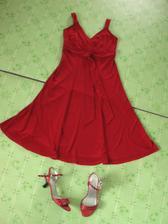 Popolnočné šaty - bola to prvá vec, čo som kúpila :-)