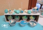 Sweetbar ve složení - zdobené plněné cupcakes, makronky, cake-pops, pusinky