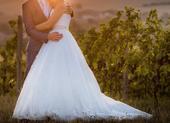 Svatební šaty na jedno rameno, 40