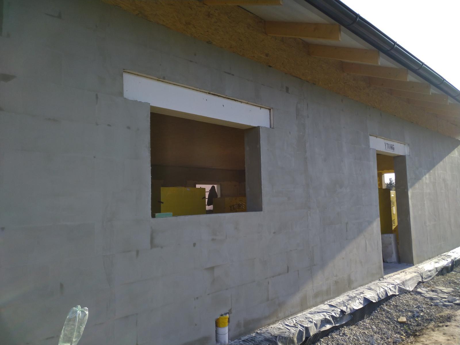 Náš Dom základy na XPS - Robíme kvôli vzduchotestnosti aj zvonka