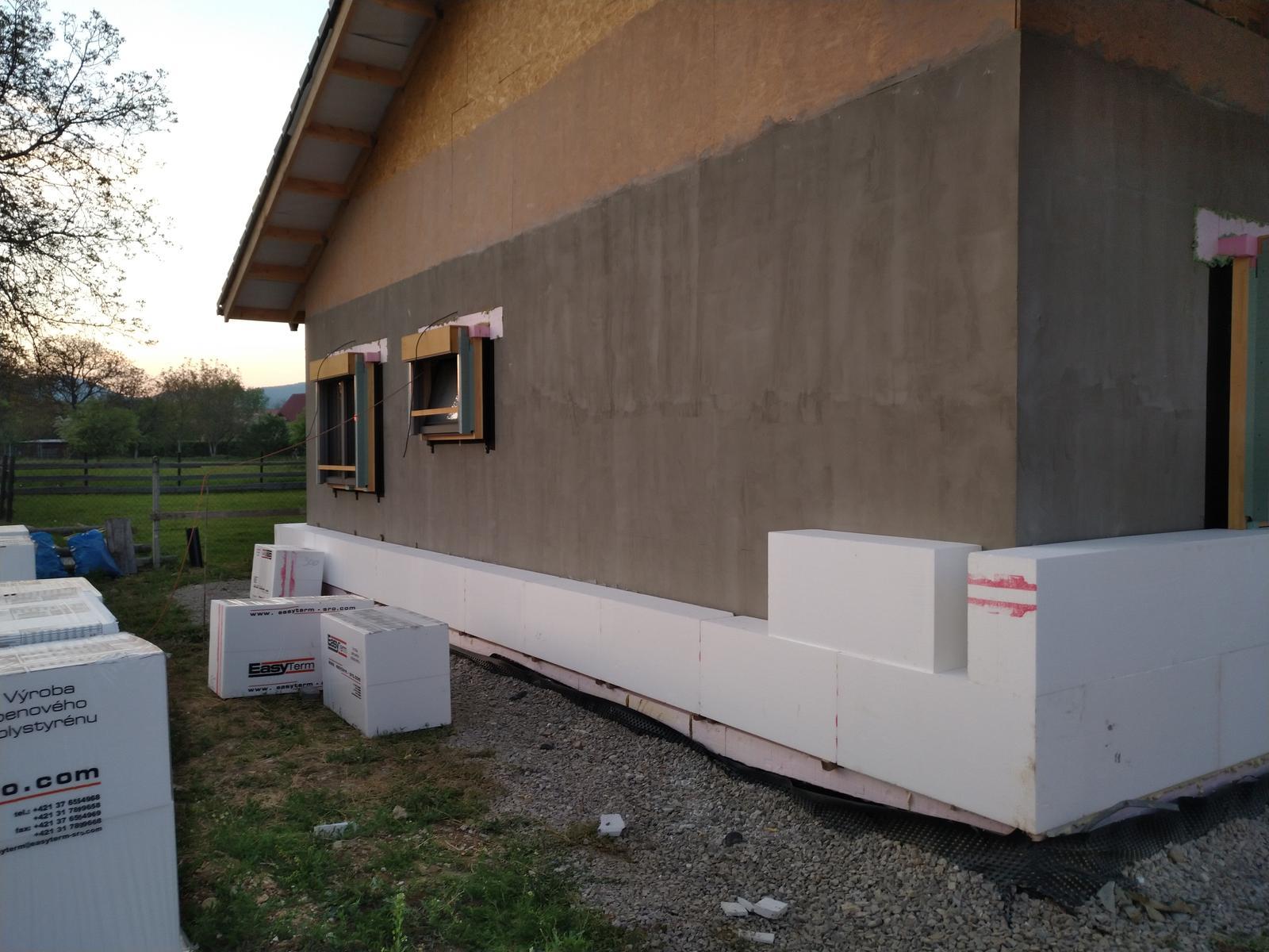 Náš Dom základy na XPS - Adhezny mostík na osb natretý