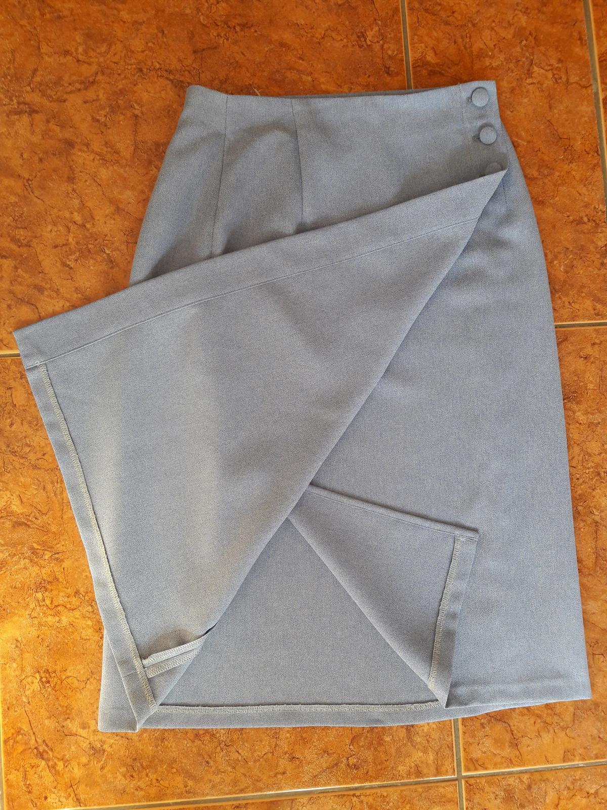 Zaujímavý sukňový kostým - Obrázok č. 3