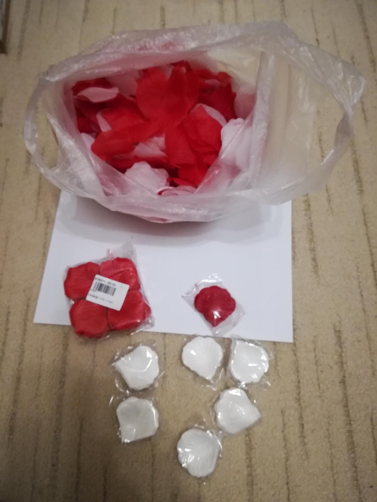 červené  lupene - Obrázok č. 1