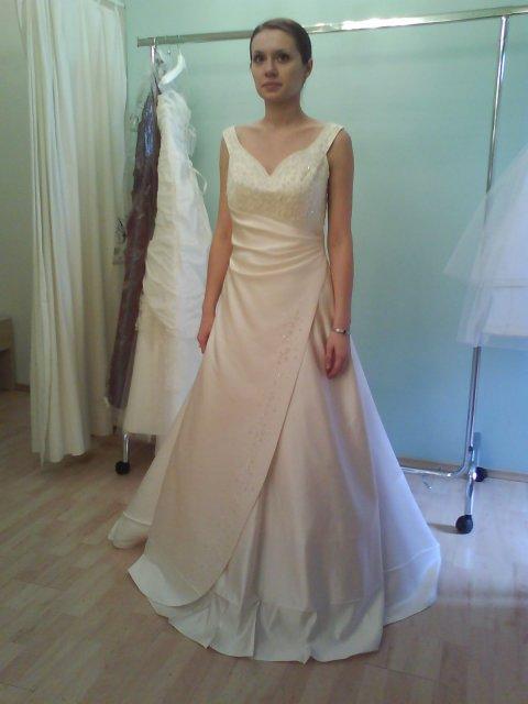 Skúšanie svadobných šiat - šaty Anna Garden