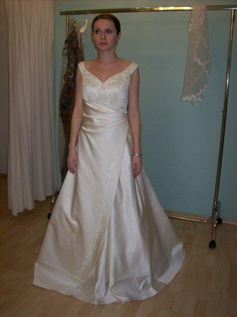 Skúšanie svadobných šiat - šaty Anna Garden 2.krat