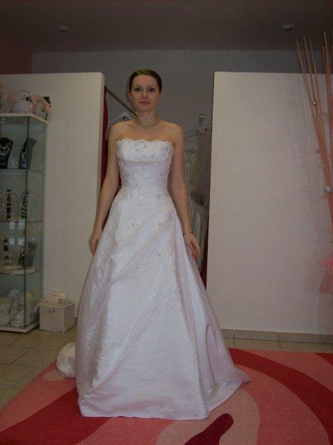 Skúšanie svadobných šiat - Balenciaga