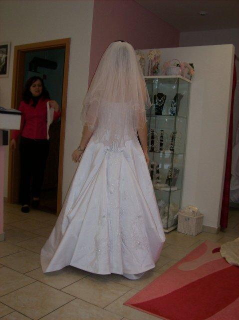 Skúšanie svadobných šiat - Balenciaga zozadu so zavojom