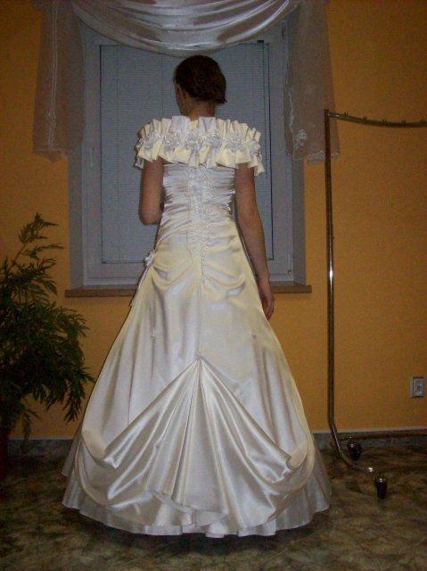 Skúšanie svadobných šiat - Romantic zozadu