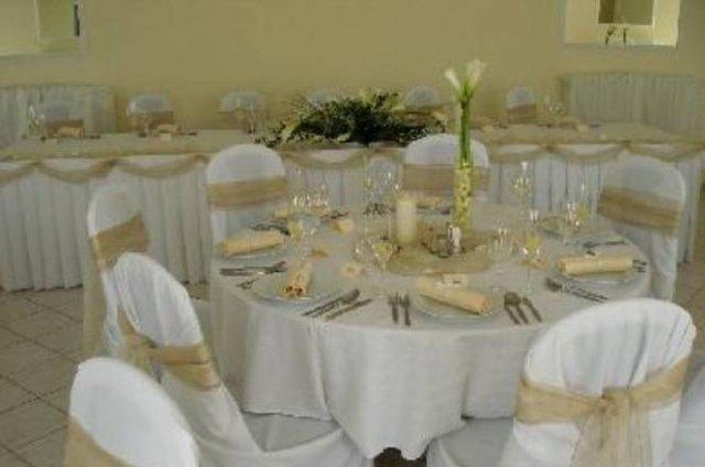 Svadobna vyzdoba - v kremovo bielej farbe