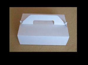 Máme už aj krabice na zákusky