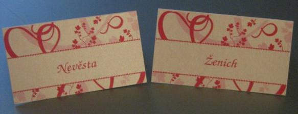 krásné jmenovky v designu svatebního oznámení