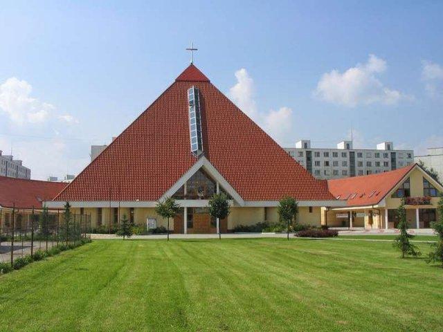Ivka & Ďuri, 17. 10. 2009 - Kostol Dobrého Pastiera bude pre nás vstupnou bránou do manželstva :-D