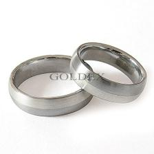 Něco takovýho bych si jednou představovala :o) - ocel a stříbro