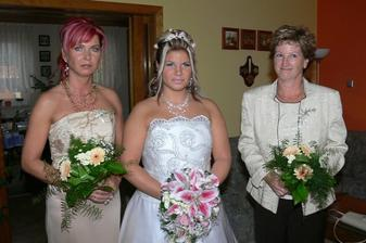 maminky,vlevo je moje