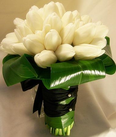 """""""gombíkový a iný úchyl"""" - jednoduchá tulipánová kytička je a must záležitosť :o)"""
