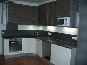 Kuchyň - kratší strana