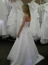 4.šaty pohled ze strany