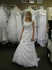 6.šaty - zajímavý střih..
