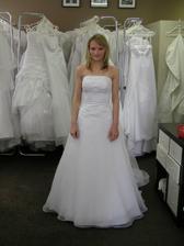 7.šaty mi padly naprosto dokonale a bylo vybráno a rozhodnuto!!!
