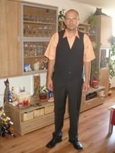 1.oblek s vestičkou