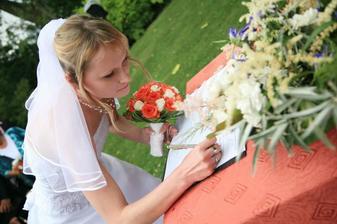a ještě stvrdit svým podpisem manželství a je to :))