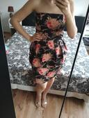 Peplum šaty, 44
