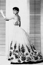 šaty od Givenchy na Audrey Hepburn